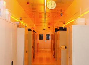 Scottish Microelectronics Centre Cleanroom laboratory corridor